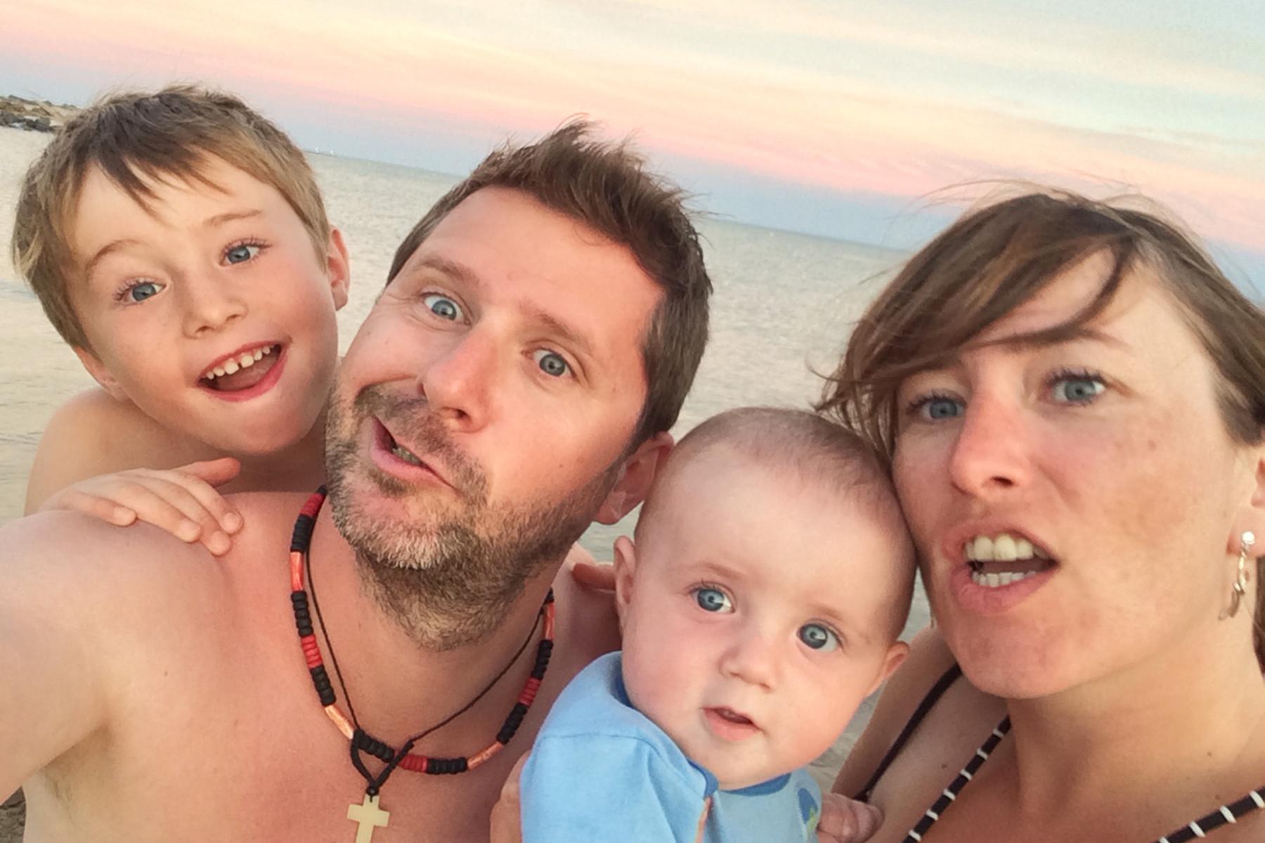 Accueil du site de photograpge de mariage David Pommier avec sa famille