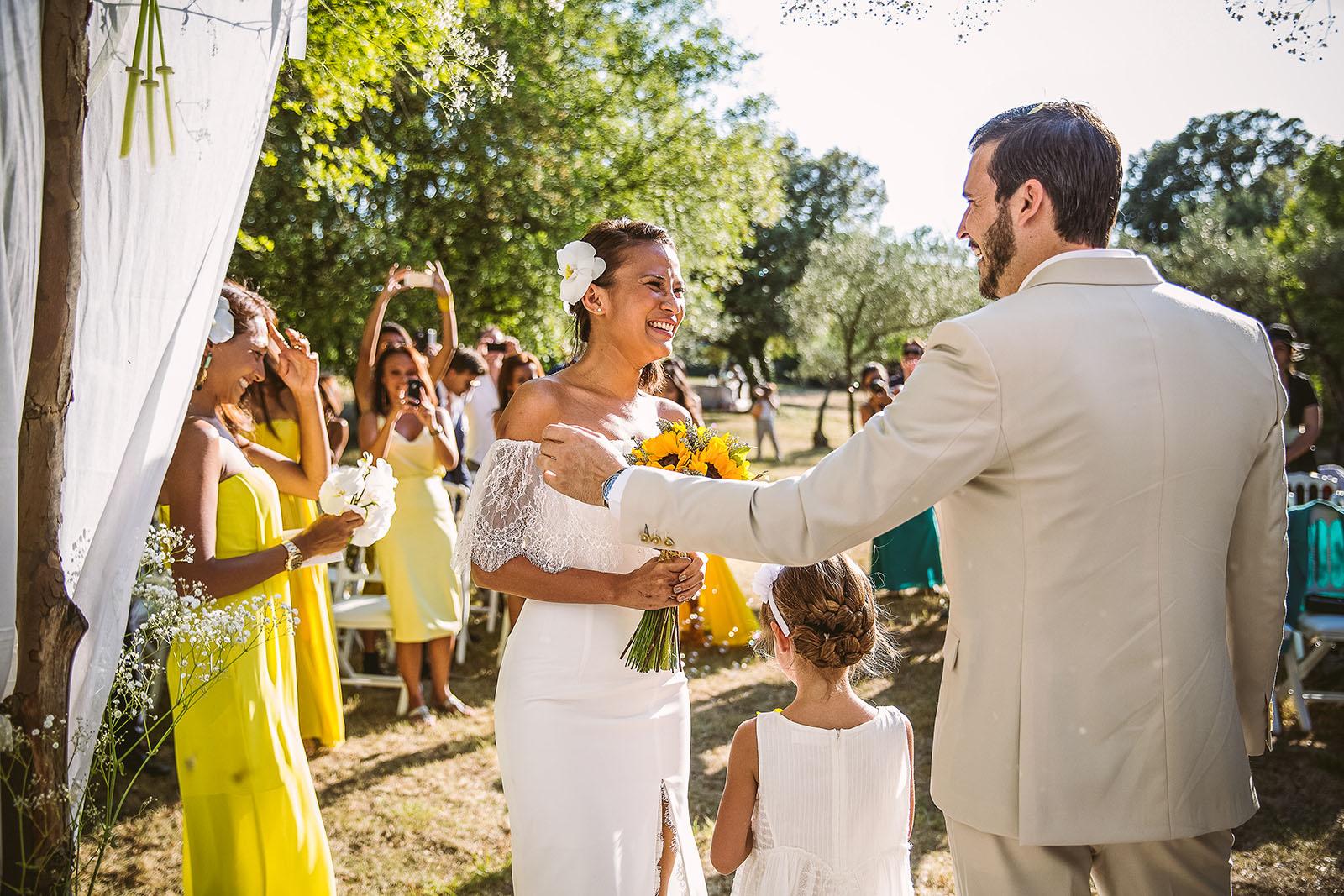 Mariage Mas de La Rouquette. David Pommier photographe de mariage. Cérémonie laïque