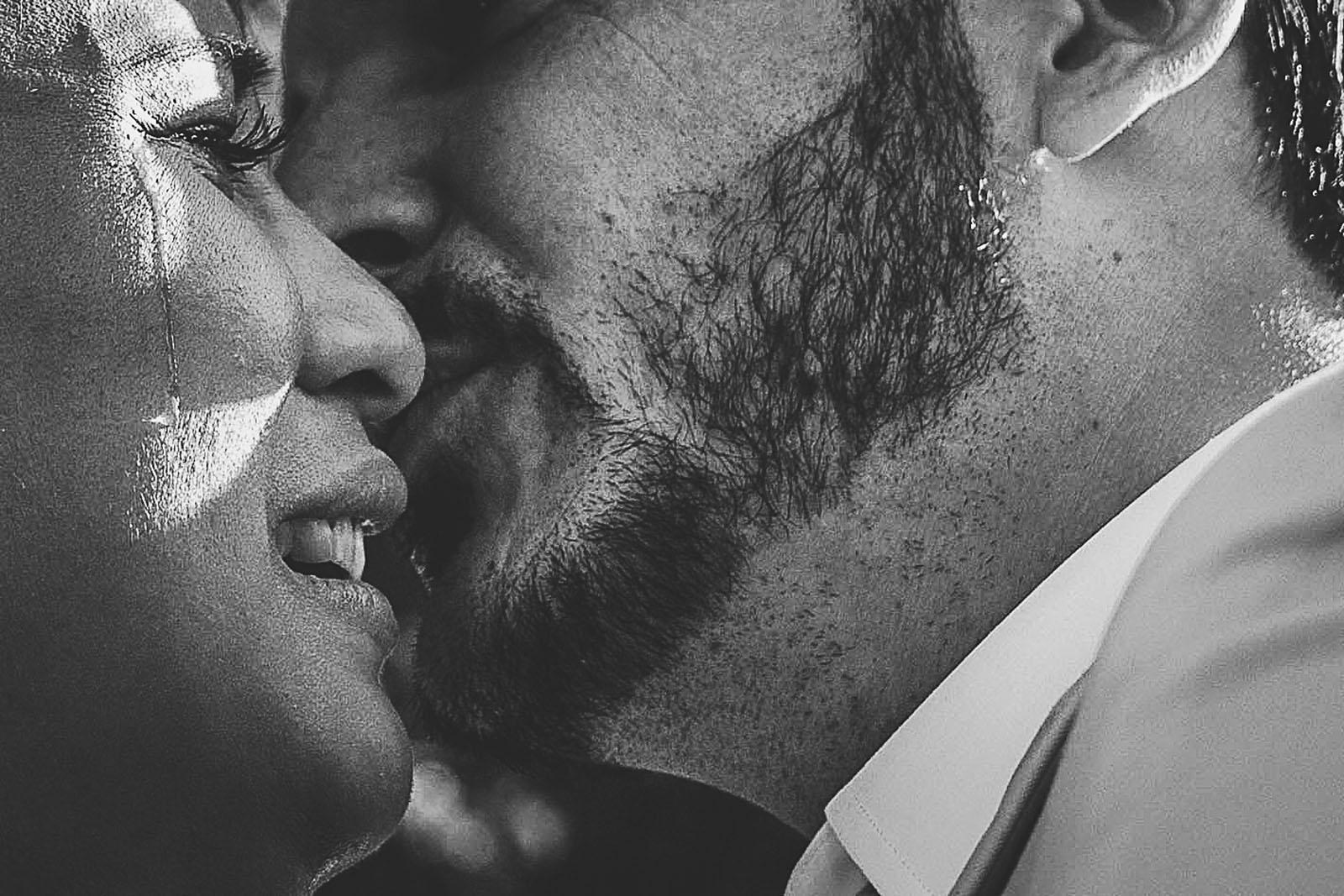 Mariage Mas de La Rouquette. David Pommier photographe de mariage. La larme qui coule sur la joue de la mariée. WPS Inspirational Wedding Photographers