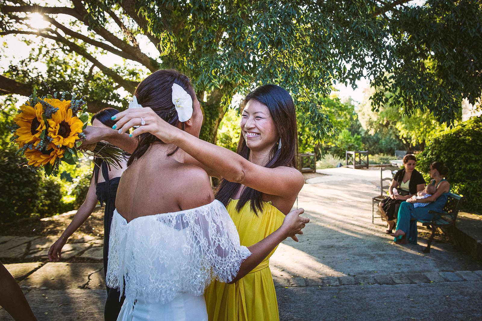 Mariage Mas de La Rouquette. David Pommier photographe de mariage. Une amie de la mariée de Singapour