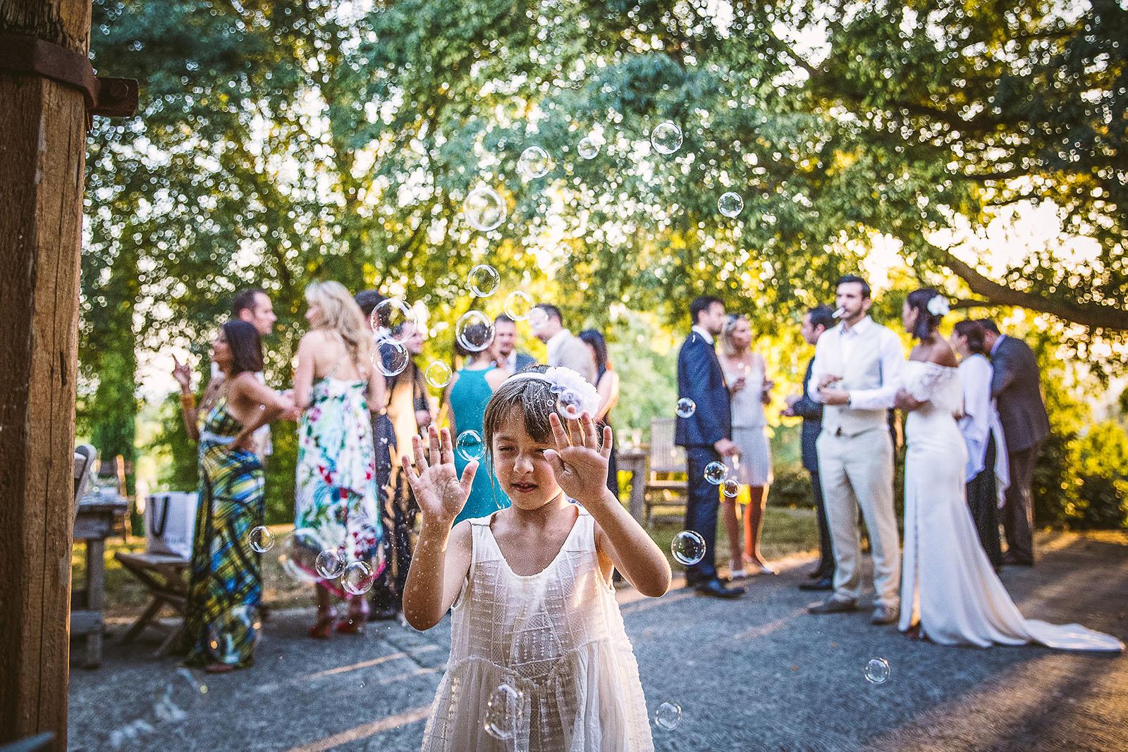 Mariage Mas de La Rouquette. David Pommier photographe de mariage. Les enfants