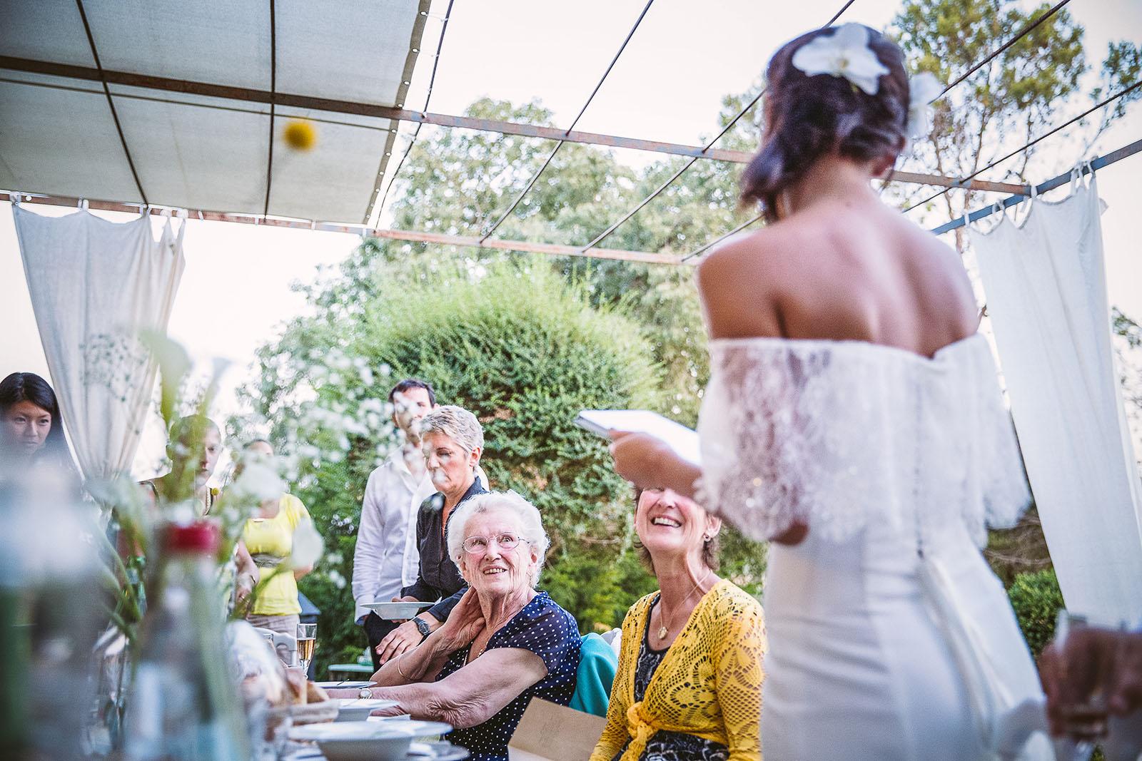 Mariage Mas de La Rouquette. David Pommier photographe de mariage. Discours de la mariée pour la mère du marié