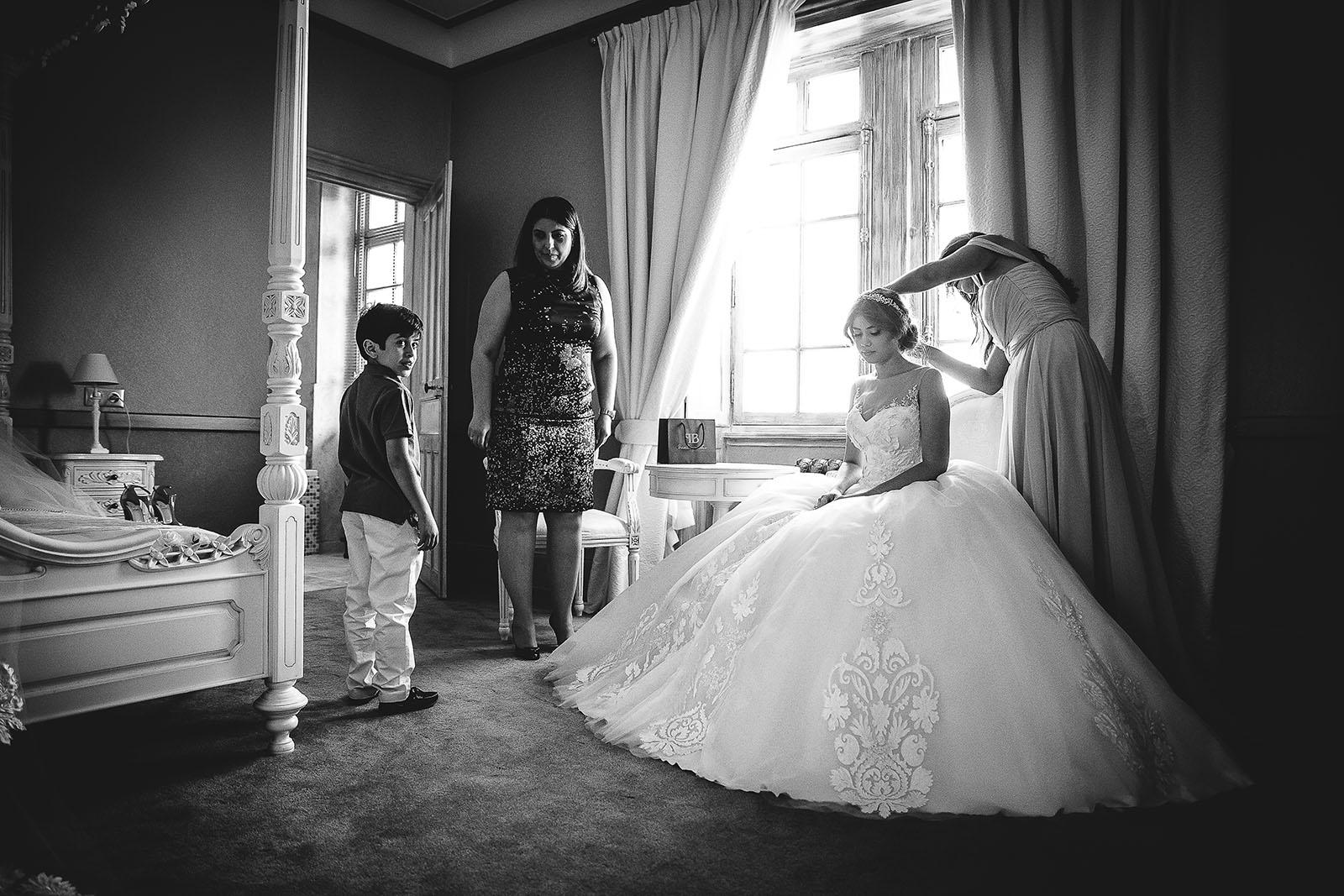 Mariage au Château de Beguin David Pommier photographe de mariage. Princesse magnifique dans une robe sublime