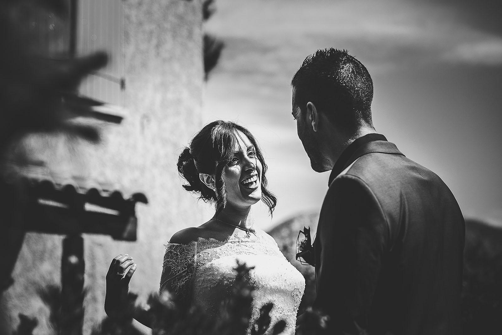 Mariage Villa Quélude David Pommier photographe de mariage. Joie de la mariée pour la découverte