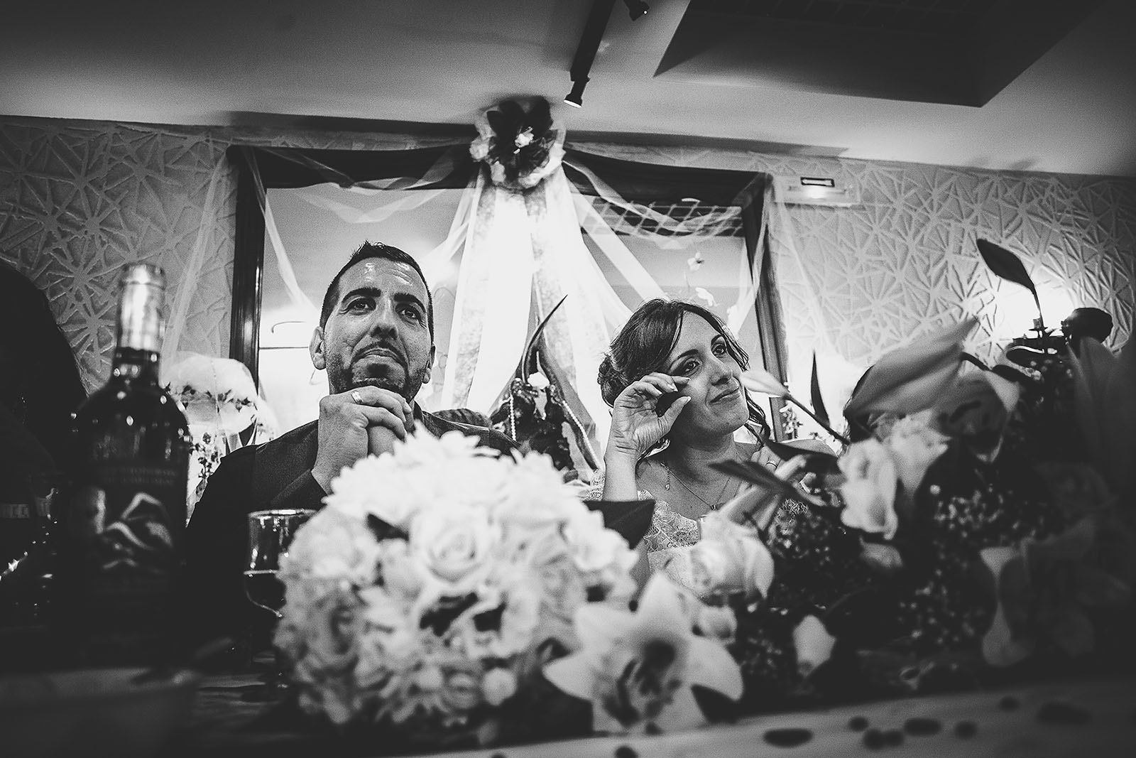 Mariage Villa Quélude David Pommier photographe de mariage. Emotion des mariés durant les discours