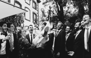 Photographe de mariage à Clermont Ferrand Photo de groupe originale