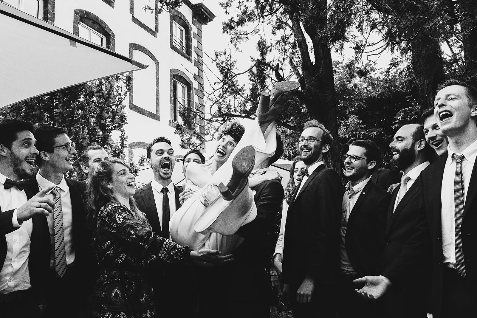 Photographe de mariage à Clermont Ferrand Photo de groupe originale