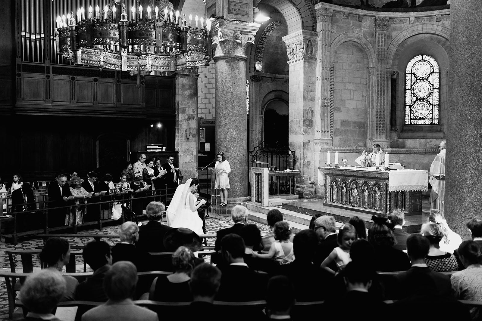 Photographe de mariage à Lyon. Cérémonie à l'église Lyon 2
