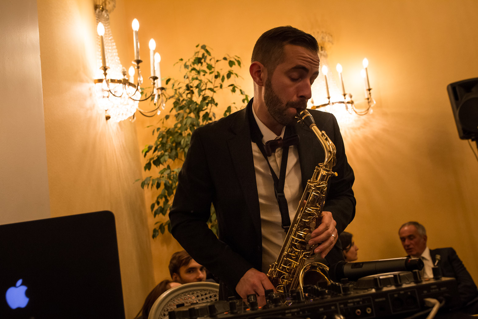 Hotel Royal Saint Mart Royat Clermont Ferrand musicien sur le mariage