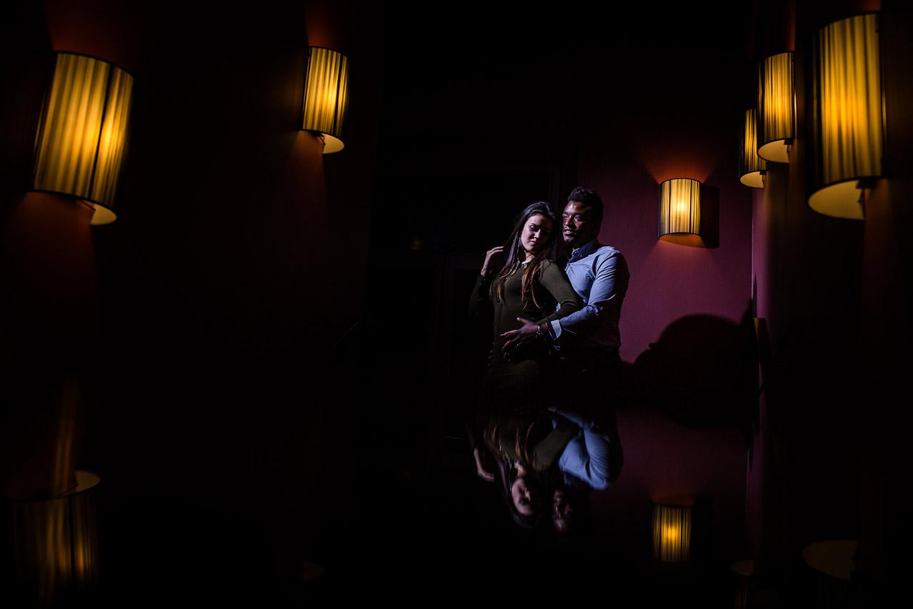Une belle séance photo de couple pleine de couple et de belles lumières