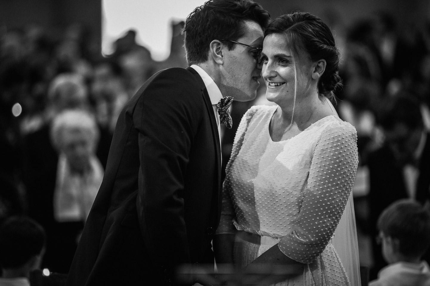 Reportage photo de mariage à Lyon - Manoir de la Garde. Les mariés durant la cérémonie