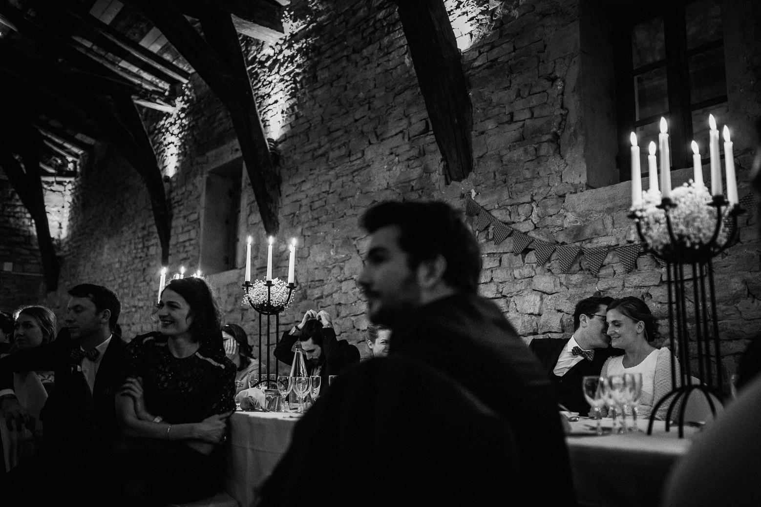 Reportage photo de mariage à Lyon - Manoir de la Garde. La table des mariés