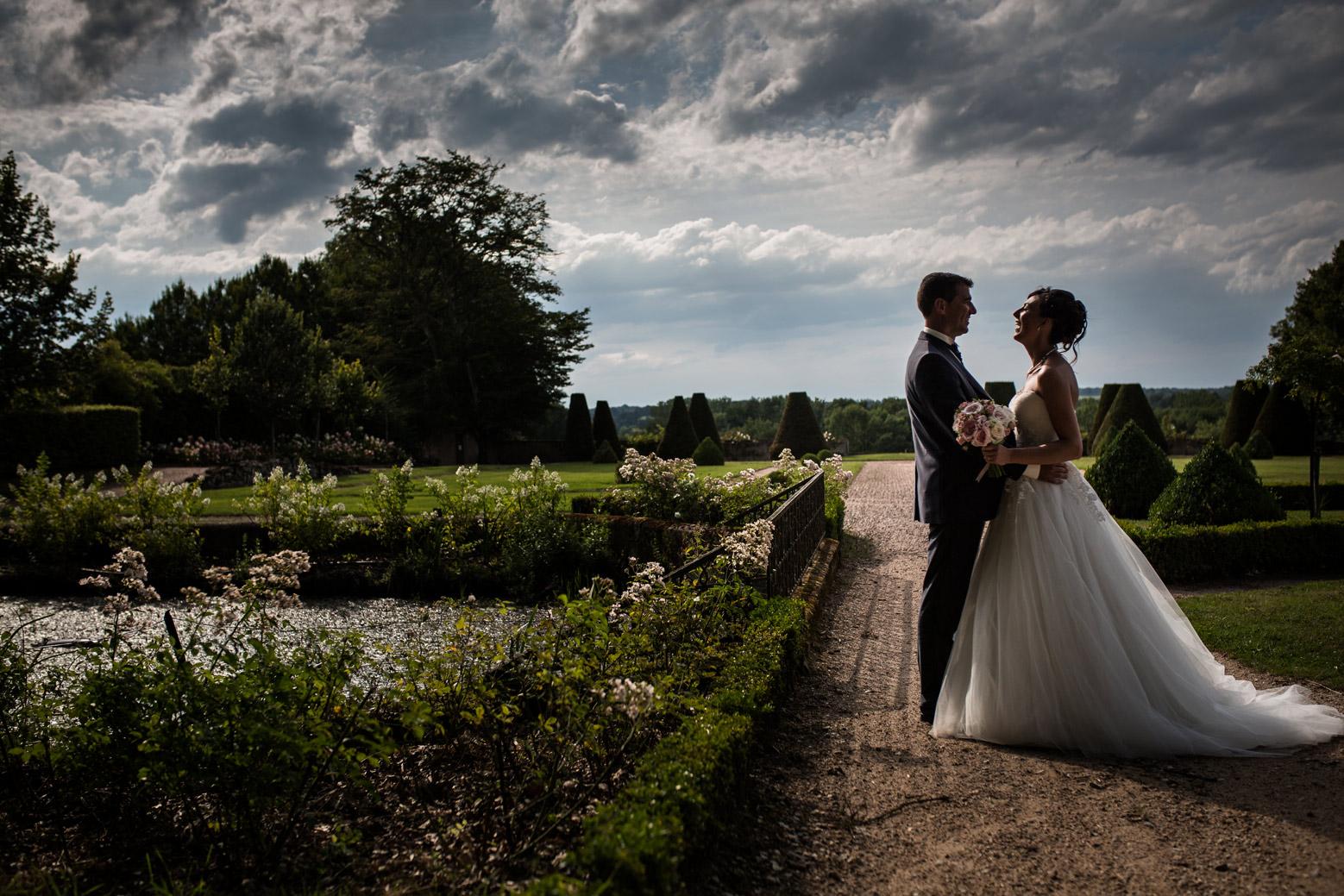 Photographe de mariage au château de Beauvoir - Charlotte & Pierre. reportage photo d'un mariage au château de Beauvoir à Saint Pourçain sur Besbre