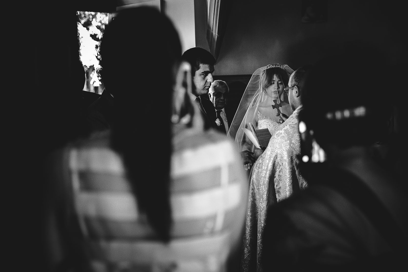 Mariage au Château de Beguin David Pommier photographe de mariage. Cérémonie religieuse à la chapelle