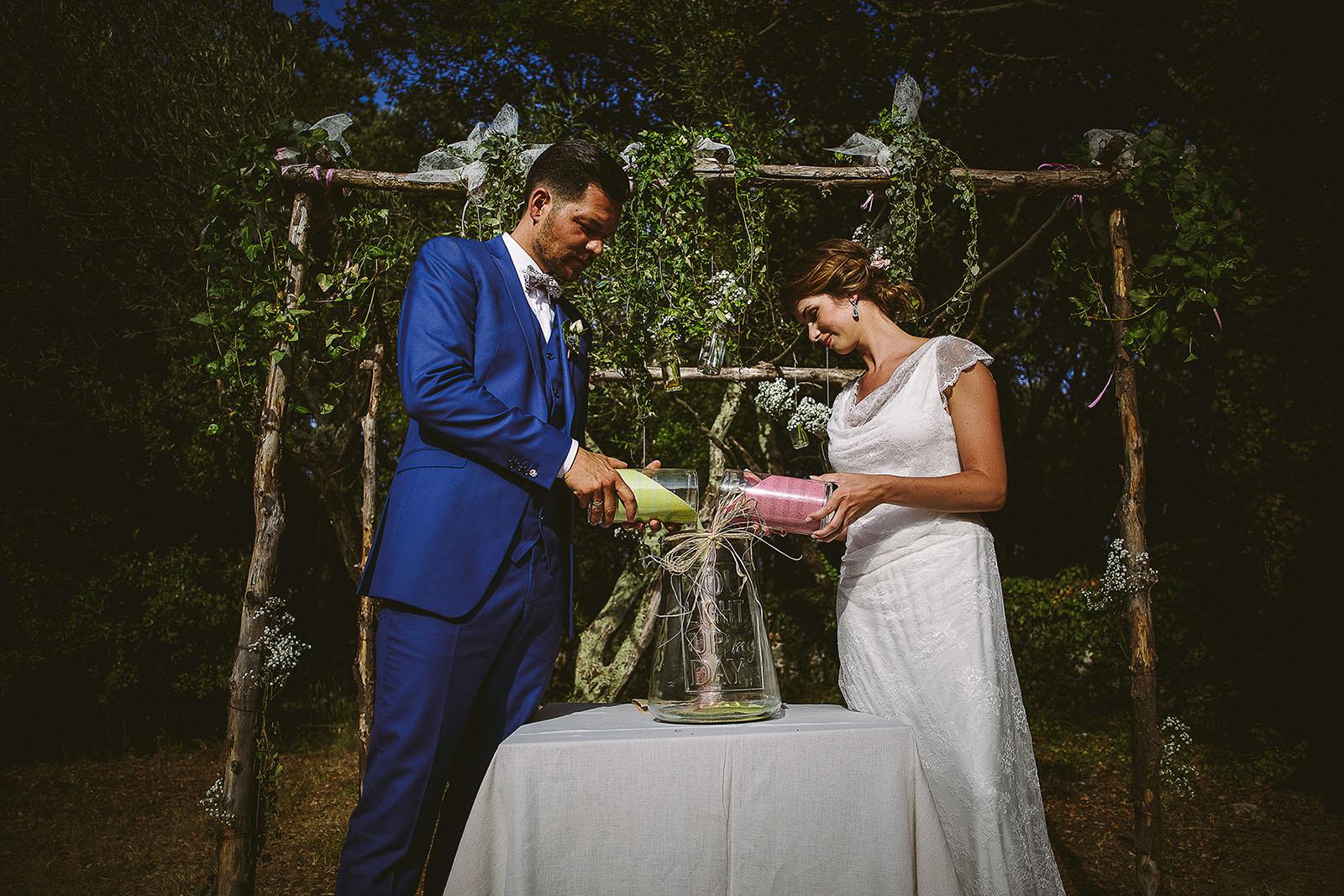 Mariage au Comptoir Saint Hilaire. Cérémonie laïque, le mélange des sables
