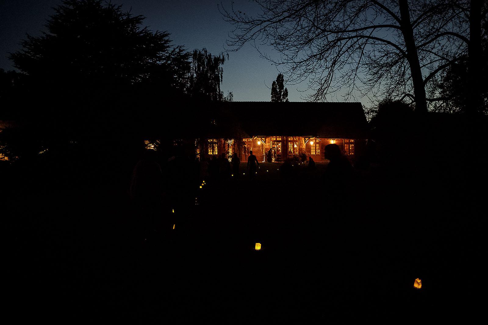 Mariage Manoir des Prévanches. David Pommier photographe de mariage. De nuit