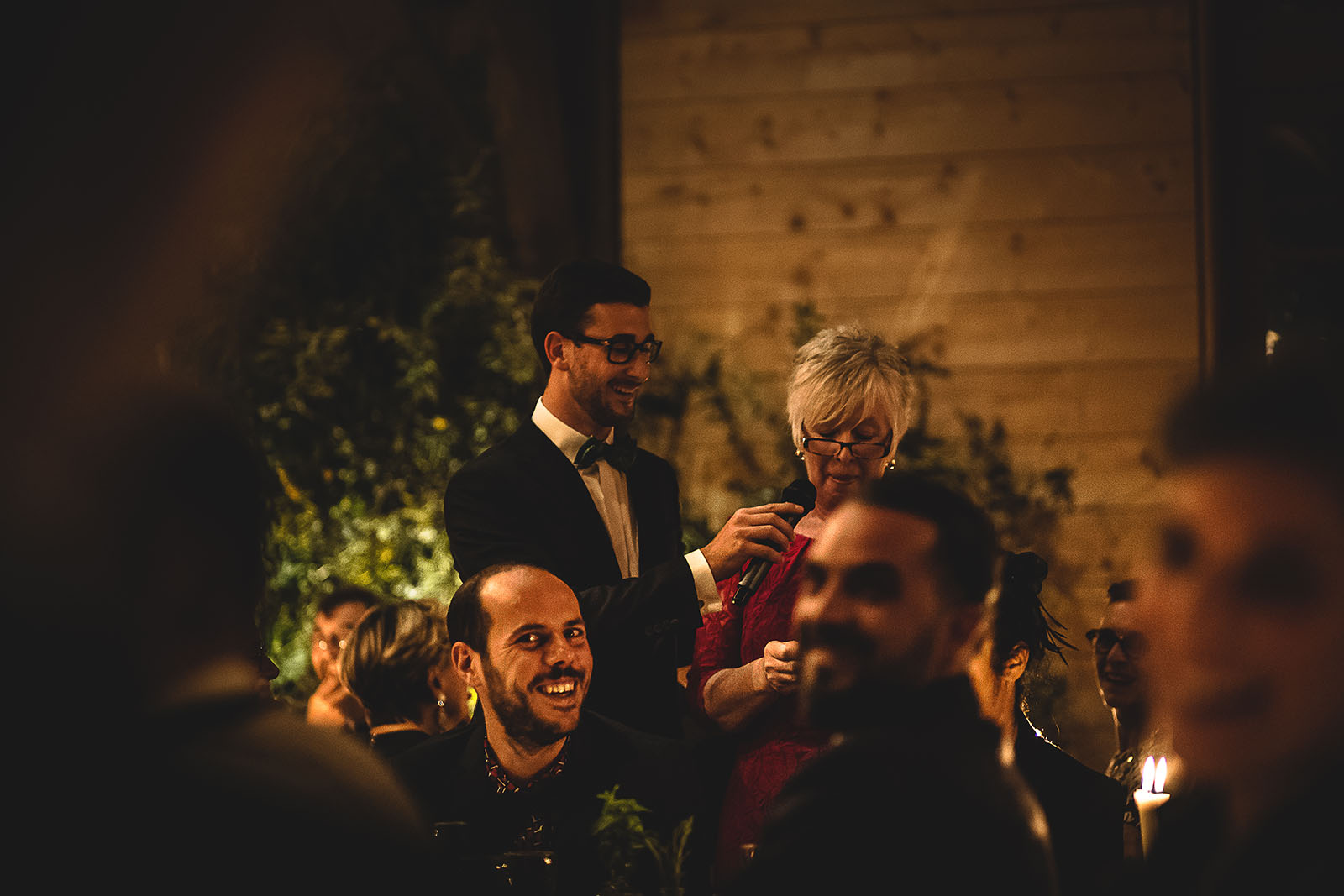 Mariage Manoir des Prévanches. David Pommier photographe de mariage. Discours de la maman du marié