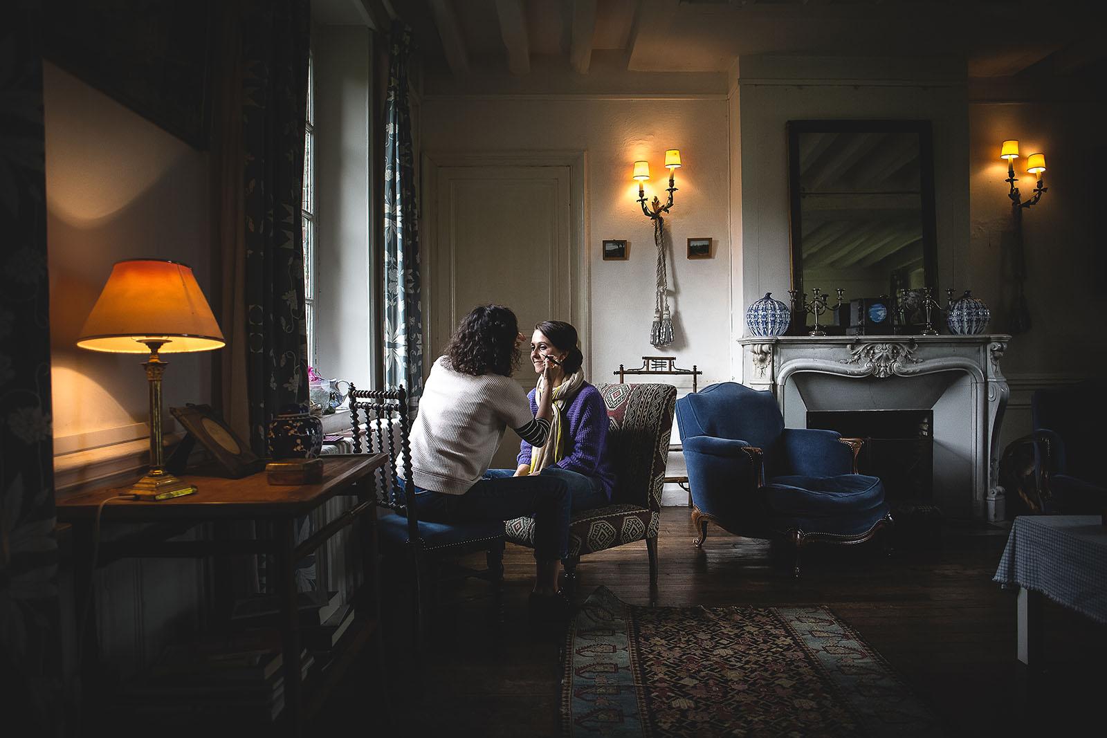 Mariage Manoir des Prévanches. David Pommier photographe de mariage. Préparatifs de la mariée dans un lieu magnfique