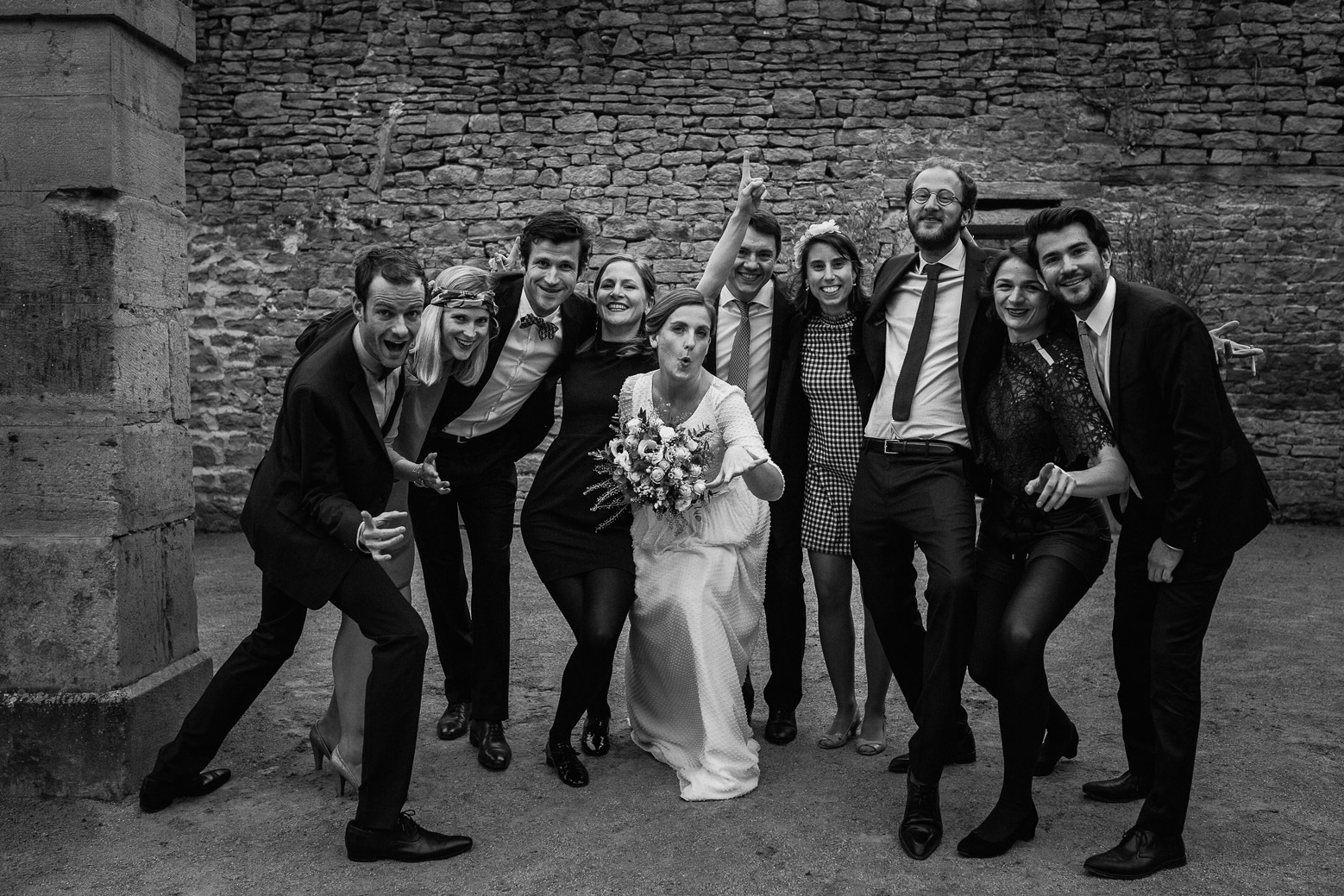 Reportage photo de mariage à Lyon - Manoir de la Garde. Photo de groupe
