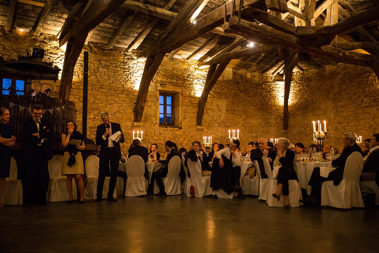 Reportage photo de mariage à Lyon - Manoir de la Garde. Discours des parents