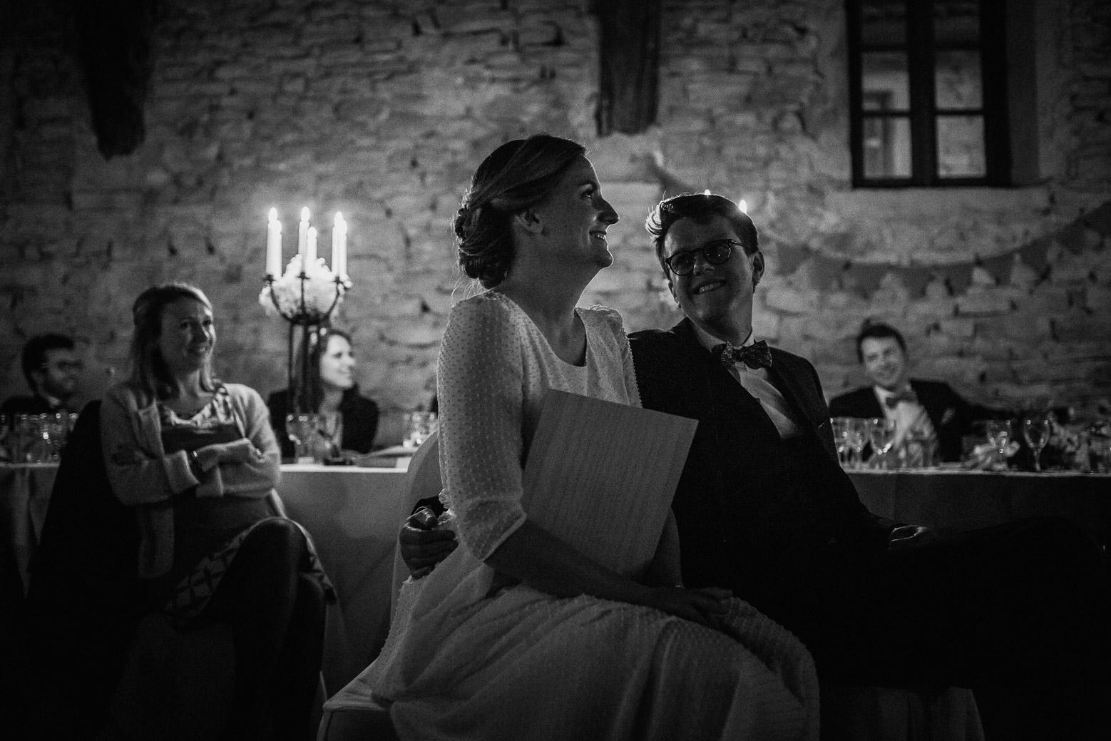 Reportage photo de mariage à Lyon - Manoir de la Garde. Les mariés pendant la soirée