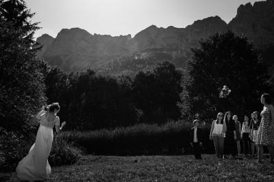 Le lancer du bouquet de la mariée à Grenoble
