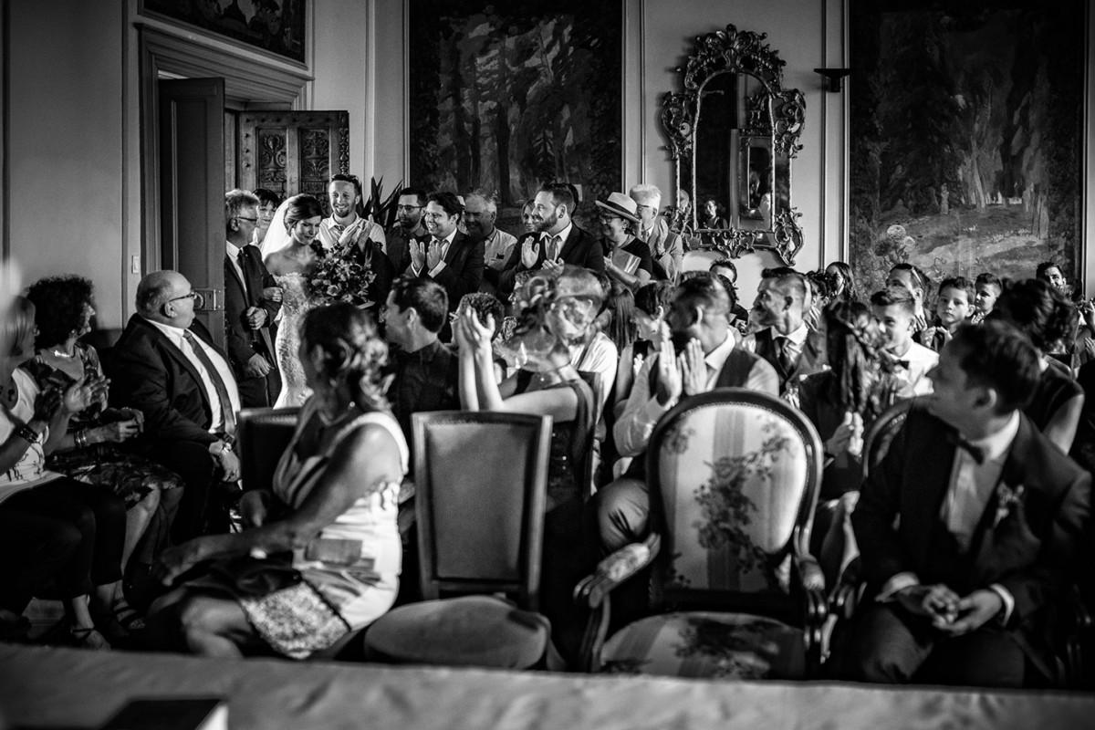 Meilleures photographies de mariage du photographe de mariage David Pommier. Mairie de Riom. Photographie de mariage lors d'une cérémonie civile