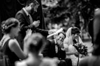 Photographie de mariage lors d'une cérémonie laique. Comment choisir son photographe de mariage. Et pourquoi?