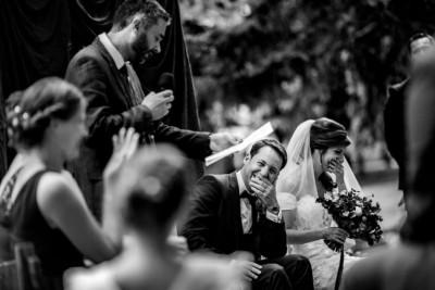 Meilleures photographies de mariage du photographe de mariage David Pommier. Château de Saulnat. Photographie de mariage lors d'une cérémonie laique. Comment choisir son photographe de mariage. Et pourquoi?