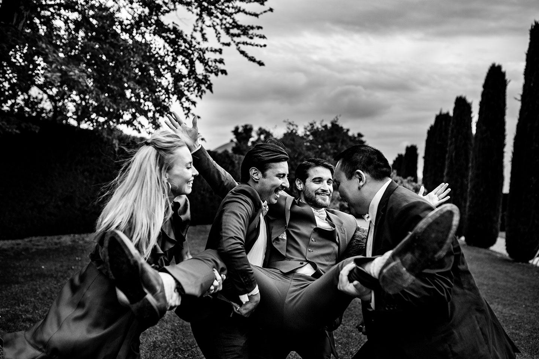 Comment réaliser les photos de groupe durant le mariage?