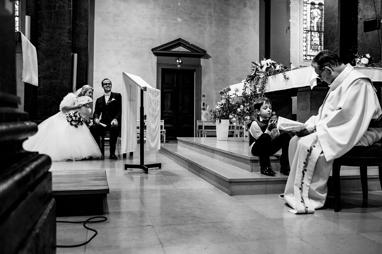 Meilleures photographies de mariage du photographe de mariage David Pommier. Eglise à Lyon