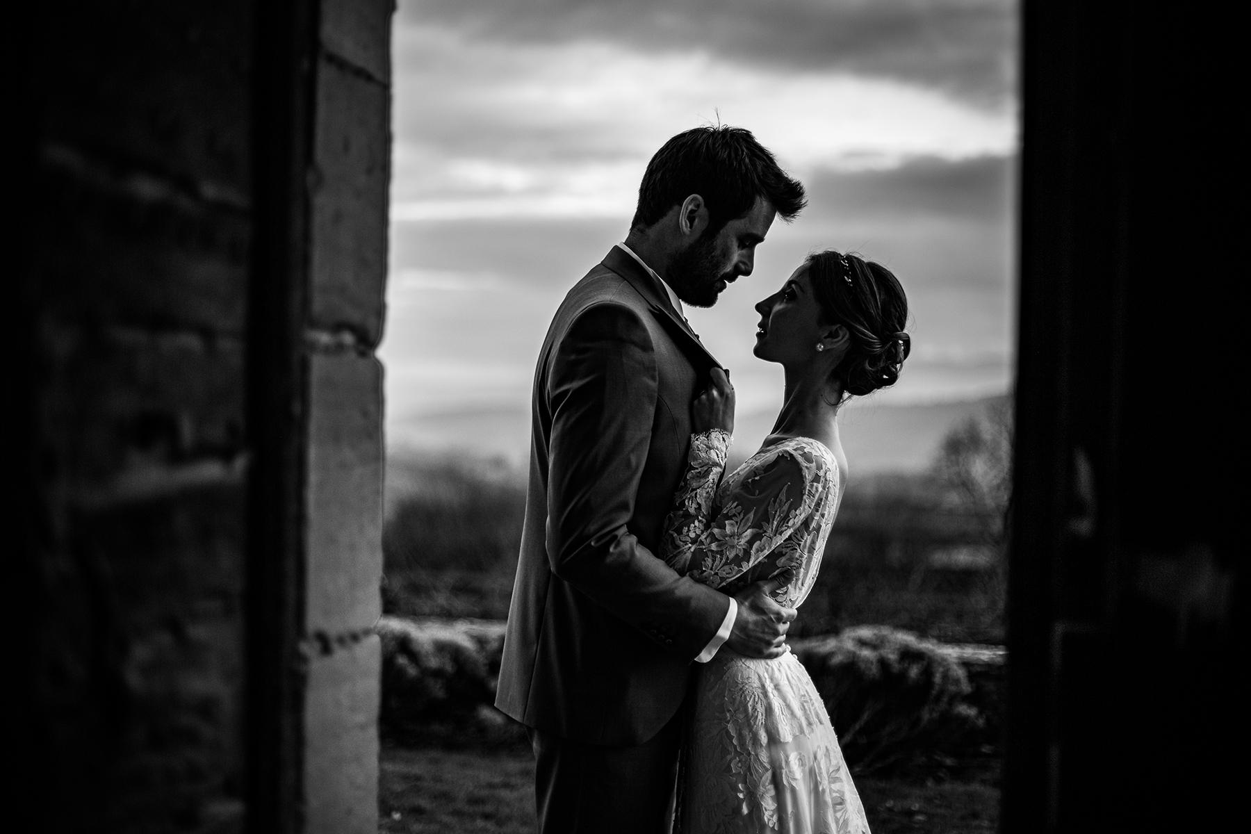 Reportage de mariage au Château de Bagnols. Les mariages d'automne et d'hiver