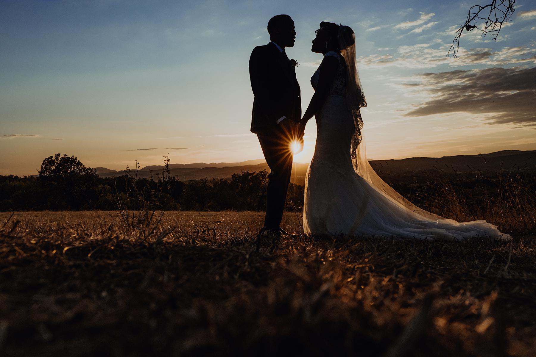 Photo de couple sous le soleil du sud de la France